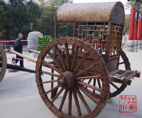纯木结构的大型仿古战车